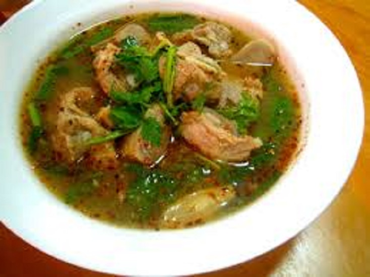 S5.Spicy pork ribs soup