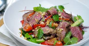 ES1. Thai Beef Salad